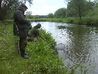 Pete Reading returning a 16 pounder